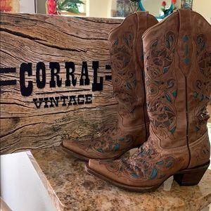 Corral vintage turquoise detail cowboy boots